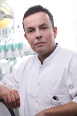 Lekarz stomatolog Karol Borkowski